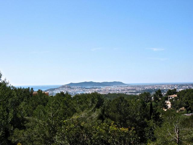 Fantástica plot of 17.000m2 con licencia in Santa Eulalia