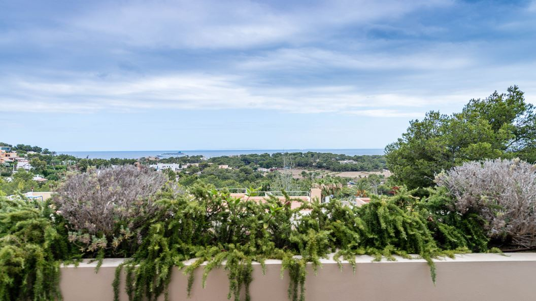 Four bedroom modern villa with touristic rental licence in Ibiza