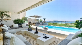 Luxury apartment for sale on the beachfront in Es Pouet