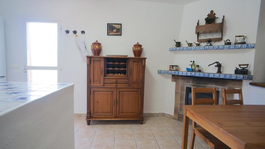 Charming little Ibiza style country house for sale between Es Cubells and Cala Jondal