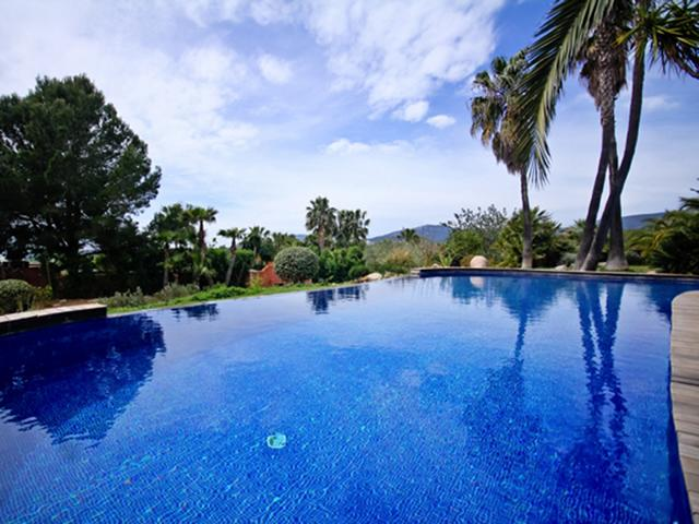 Beautiful villa in Cala Jondal area for sale