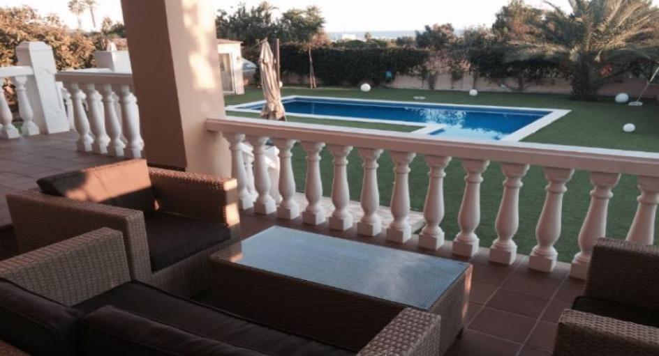 House with sea view and tourist license just a few minutes to Ibiza