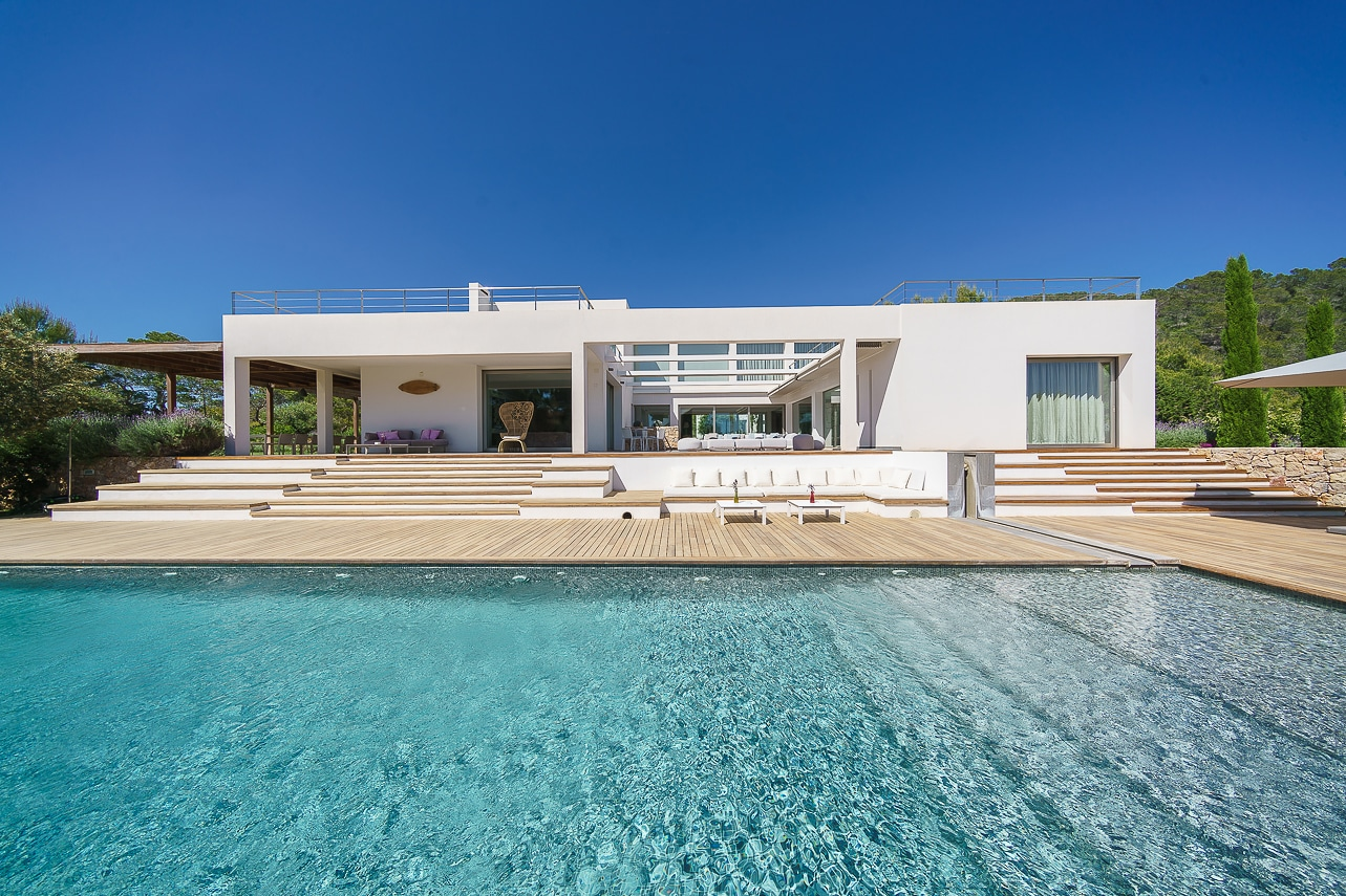 Unique designer villa minutes away from Cala Jondal
