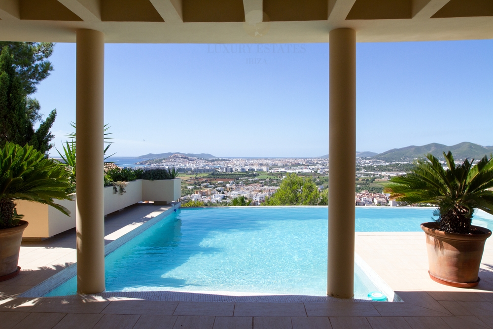 Luxurious villa overlooking Ibiza town and the sea in Jesus