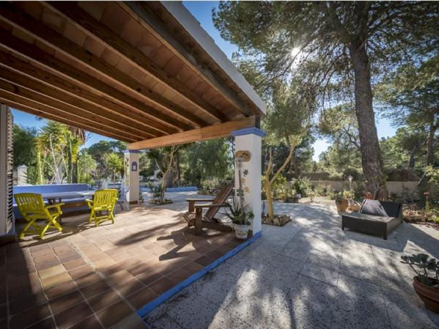 Rustic villa located in Porroig