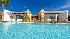 Beautiful 5 bedroom villa for sale in Cala Conta -  Ibiza