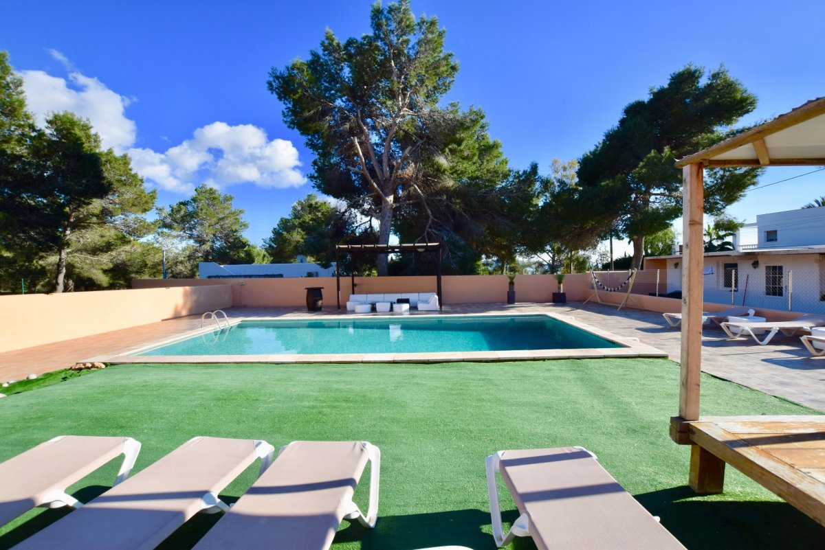 House for sale pny 10 meters to the beach