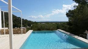Modern villa overlooking Las Salinas and the sea