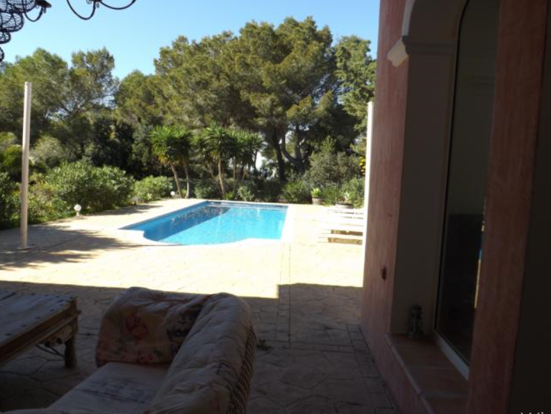Very nice real estate in one of the most beautiful areas of Ibiza