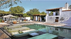 Traditional finca renovated with rental licence