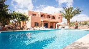 Fantastic villa near Playa d'en Bossa and Ibiza Town