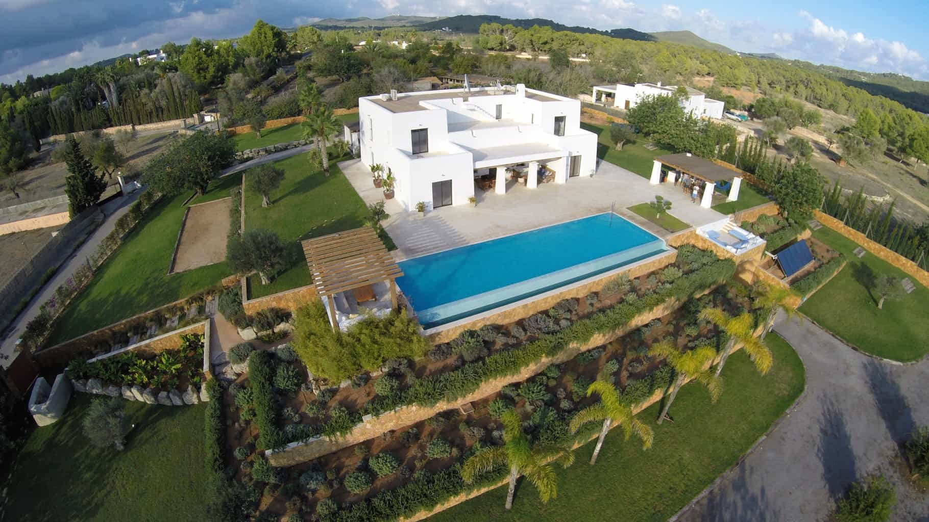 Luxury villa for sale in San Rafel with 6 bedrooms
