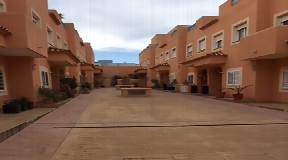 Nice town house in a very well located place in Can Misses
