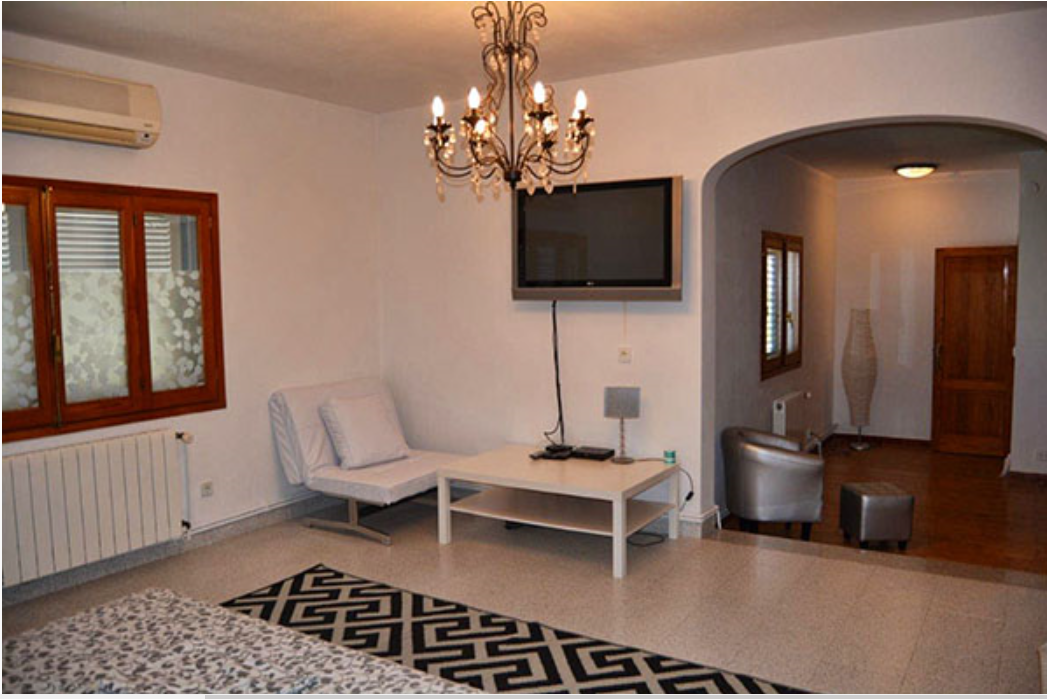 Country house for sale in San Jose with big plot