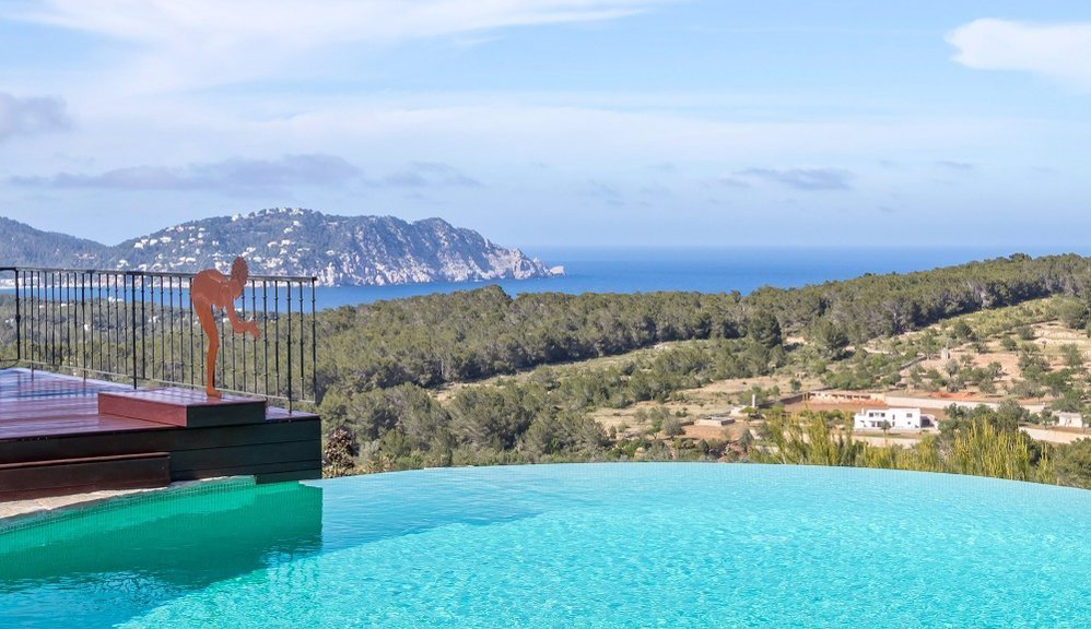Impressive Villa spectacular views of the bay of San Vicente
