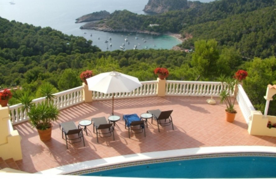 Charming and recently reformed villa in Cala Salada