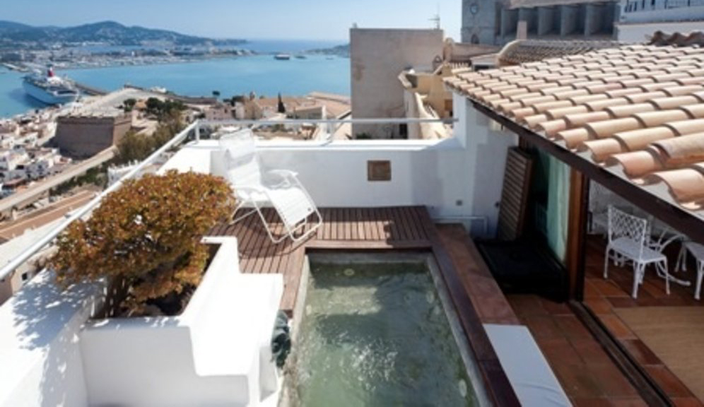 Beautiful townhouse in Ibiza with fantastic views