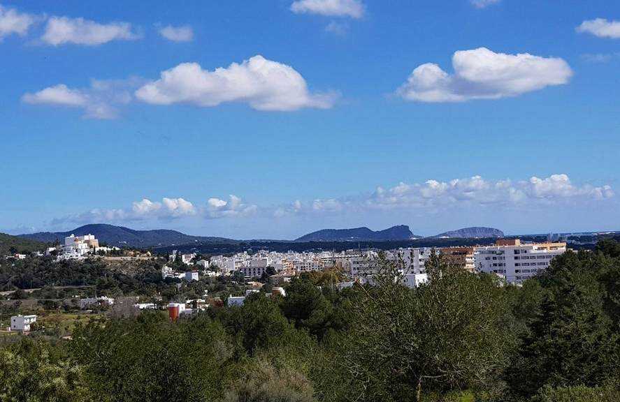Large flat plot in Ibiza is set in a location overlooking Santa Eulalia and sea