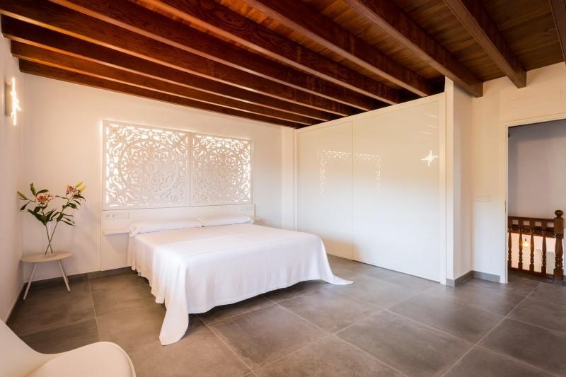 Beautiful renovated villa with beautiful sea view near Portinatx