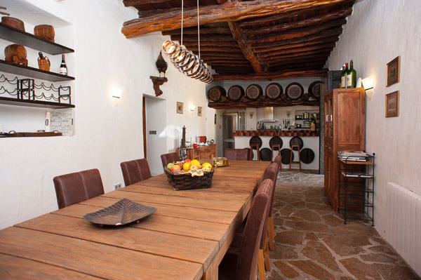 Traditional Ibiza finca with restaurant license - Santa Eulalia