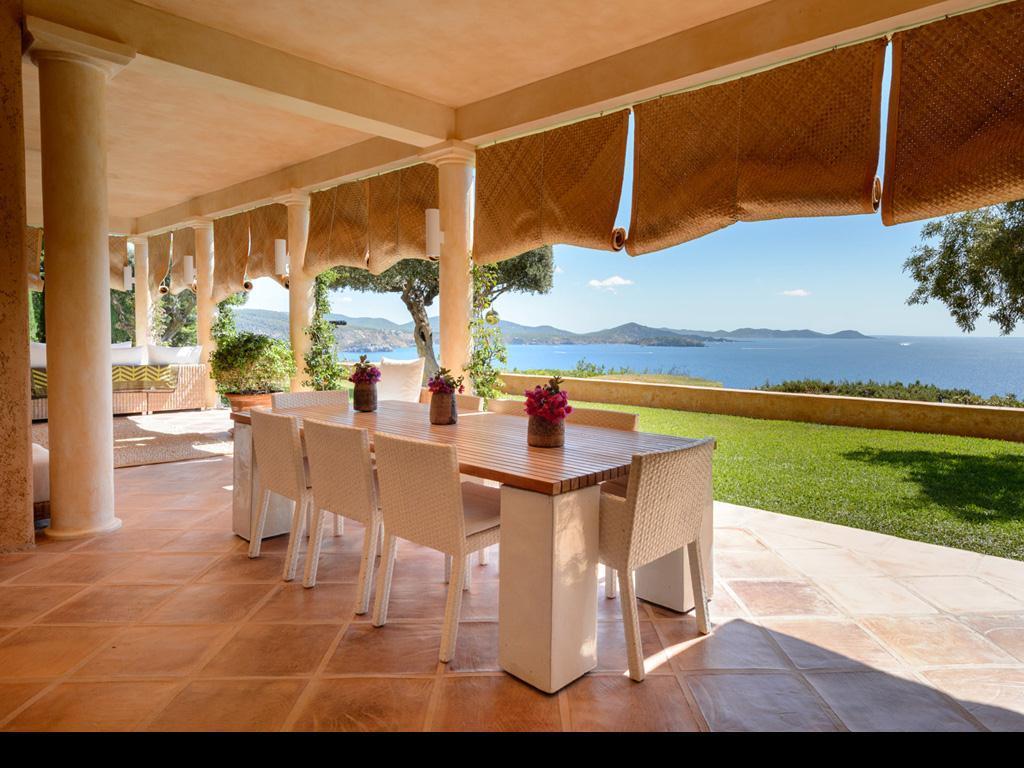 Hillside villa with spectacular sea views in Es Cubells