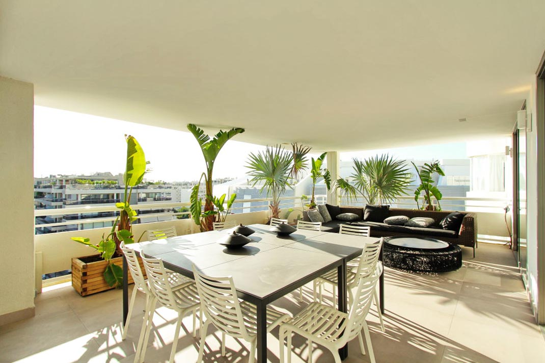 Penthouse of 180 m2 located on the seafront of the Paseo Marítimo