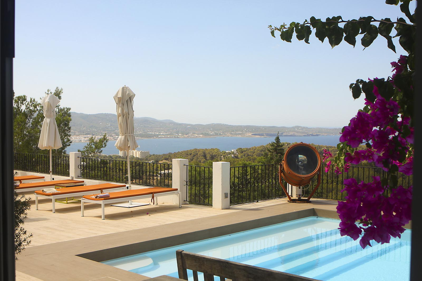 Charming Mediterranean style house located on the heights of Cala Salada