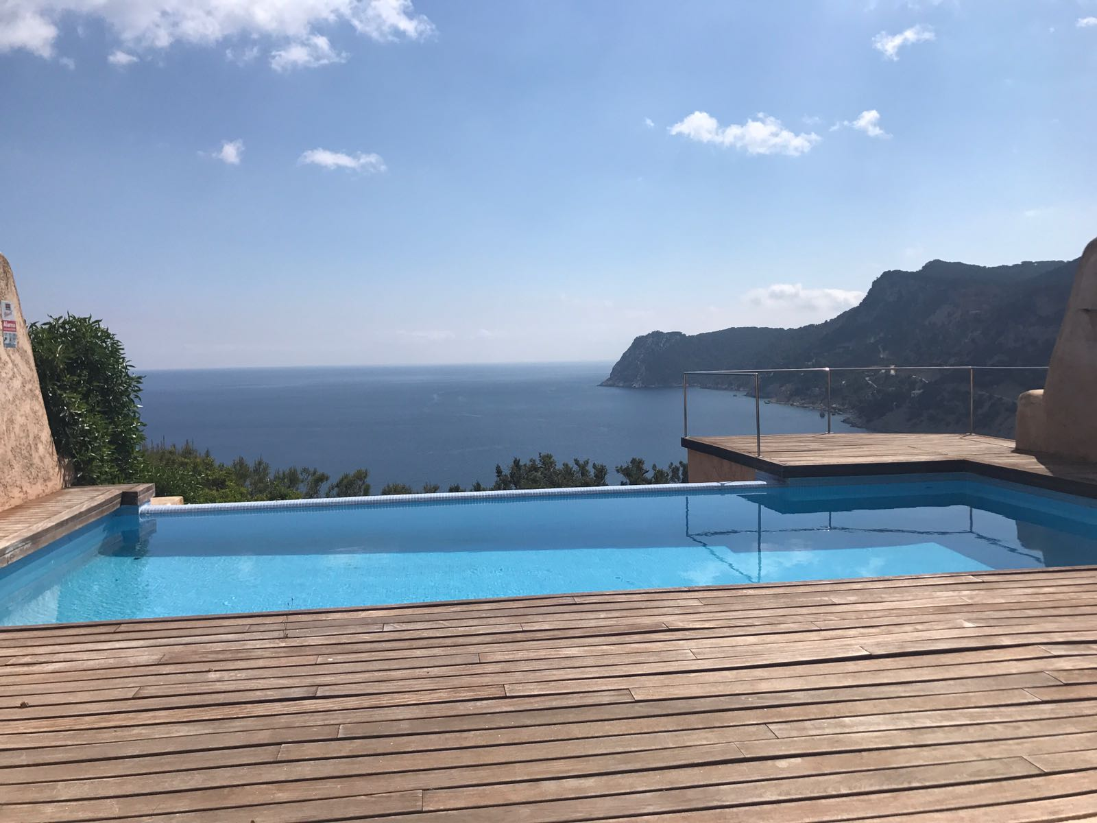 House with breathtaking views over the bay and sea in Es Cubells