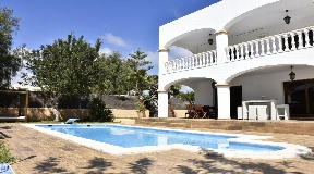 House for sale in the area of Sa Carroca with touristic licence