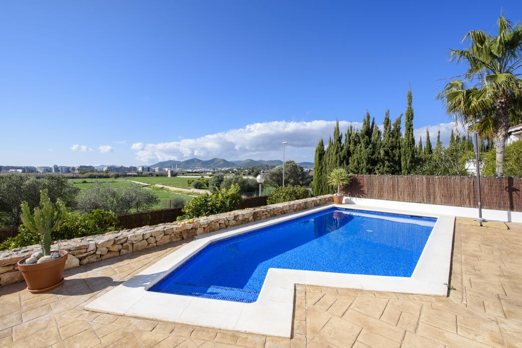 Four bedroom villa with pool for sale in Talamanca with touristic licence