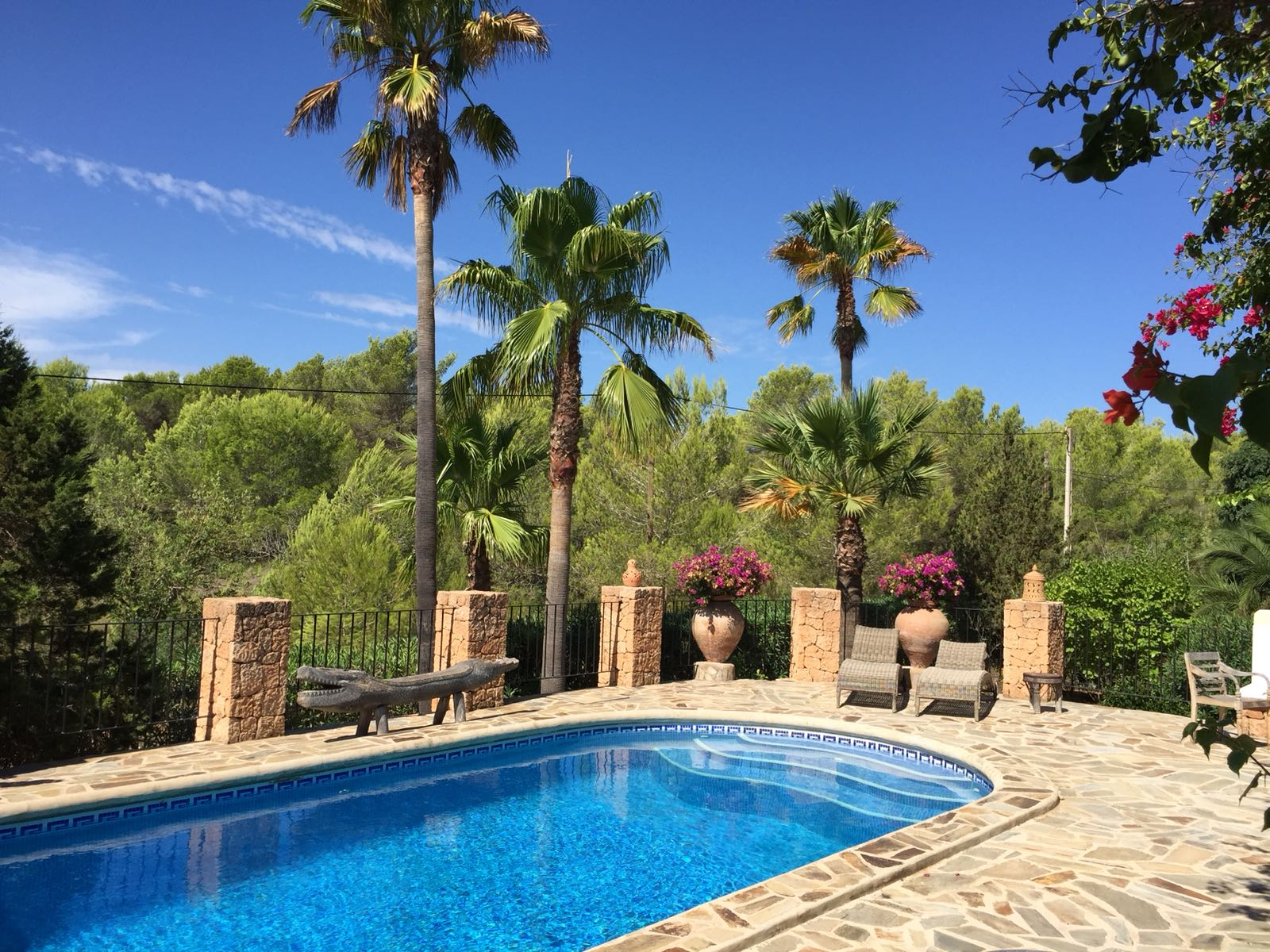 Nice house with large garden in Cala Nova