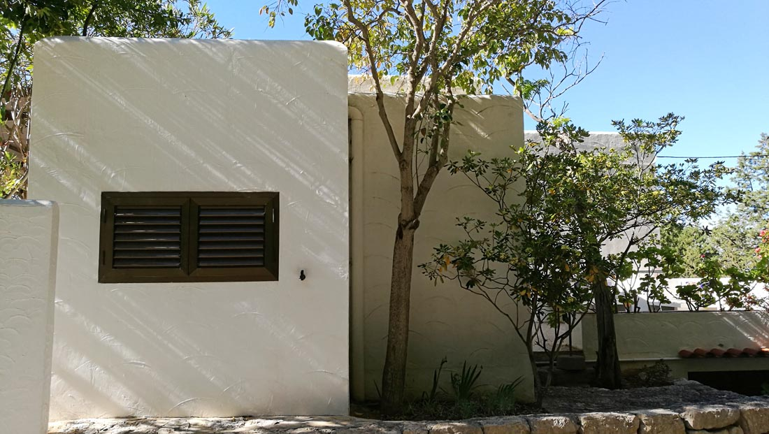 Frontline House with 7 Bedroom  in  San Juan