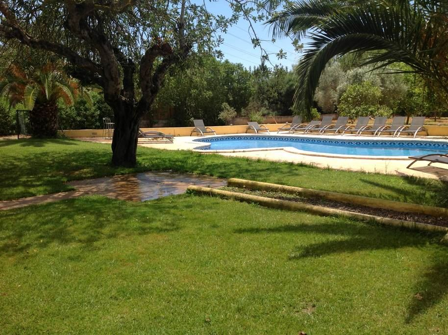 Fantastic property with tourist license for sale 5 min from Ibiza town