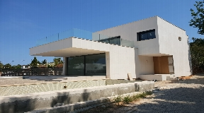 Beautiful modern-style villa of 420 m2 located in Talamanca