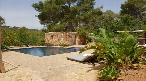A charming finca with guesthouse in Santa Gertrudis