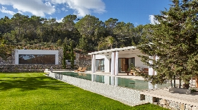Newly furnished and beautifully designed villa nea Cala Jondal