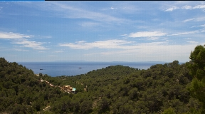 Rustic- style property completely renovated in 2010 with best sea views