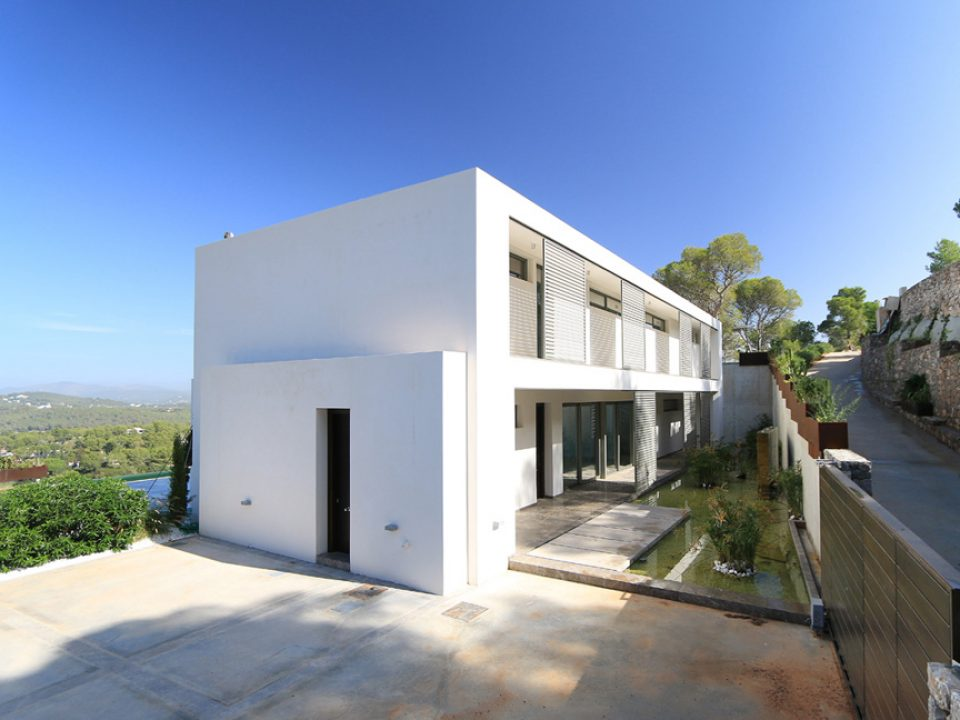 New build six bedroom villa in Roca Lisa for sale