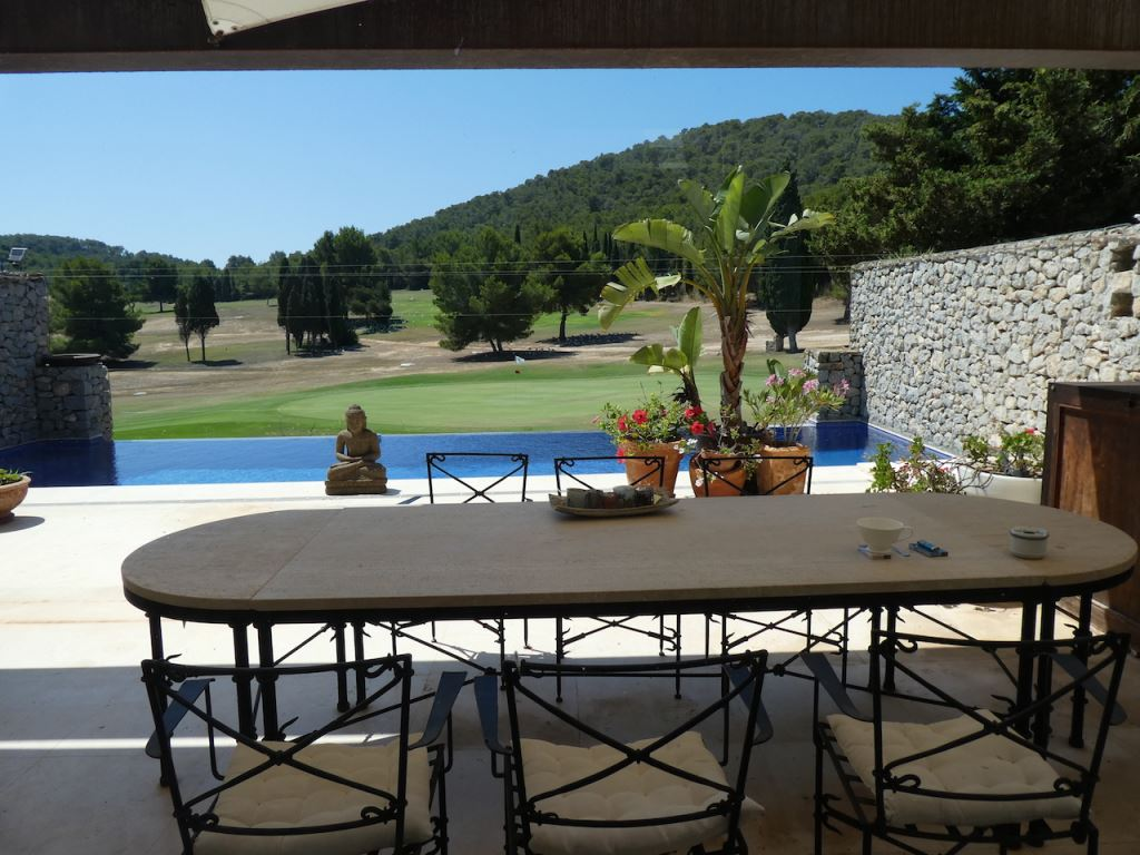 Terraced house on the golf course of Roca Llisa