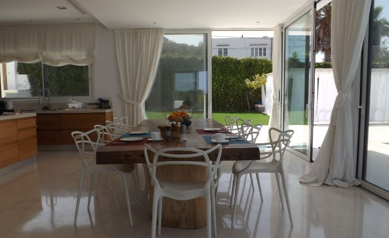 Exclusive villa located in a privileged and very quiet residential area of Jesus for rent
