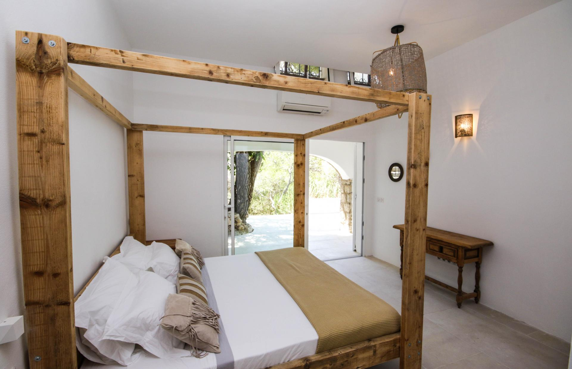 Cozy and romantic house in the north of Ibiza with splendid sunset view in Portinax