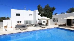 Modern house for sale in Cala de Bou