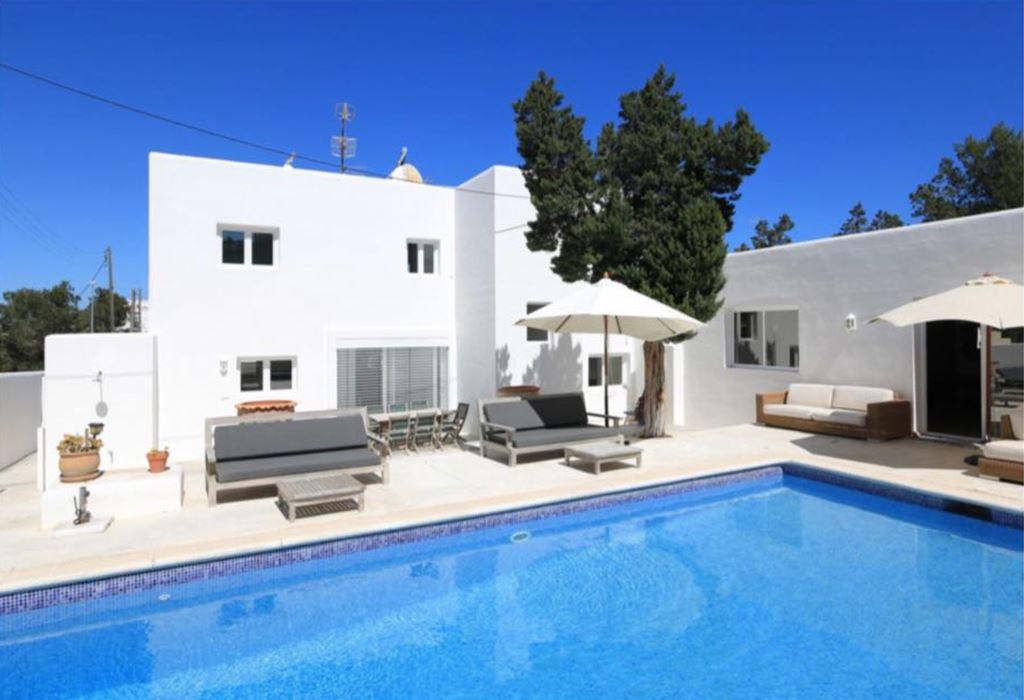 Modern house for sale in Cala de Bou