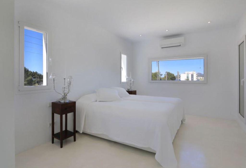 Modern house for sale in Cala de Bou - San Antonio