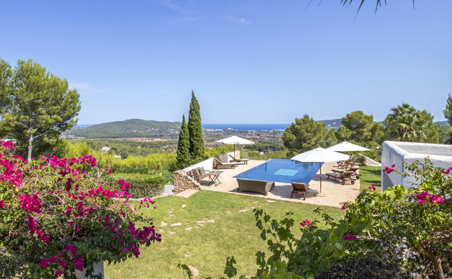 Unique property in top location near to Santa Eulalia with best views