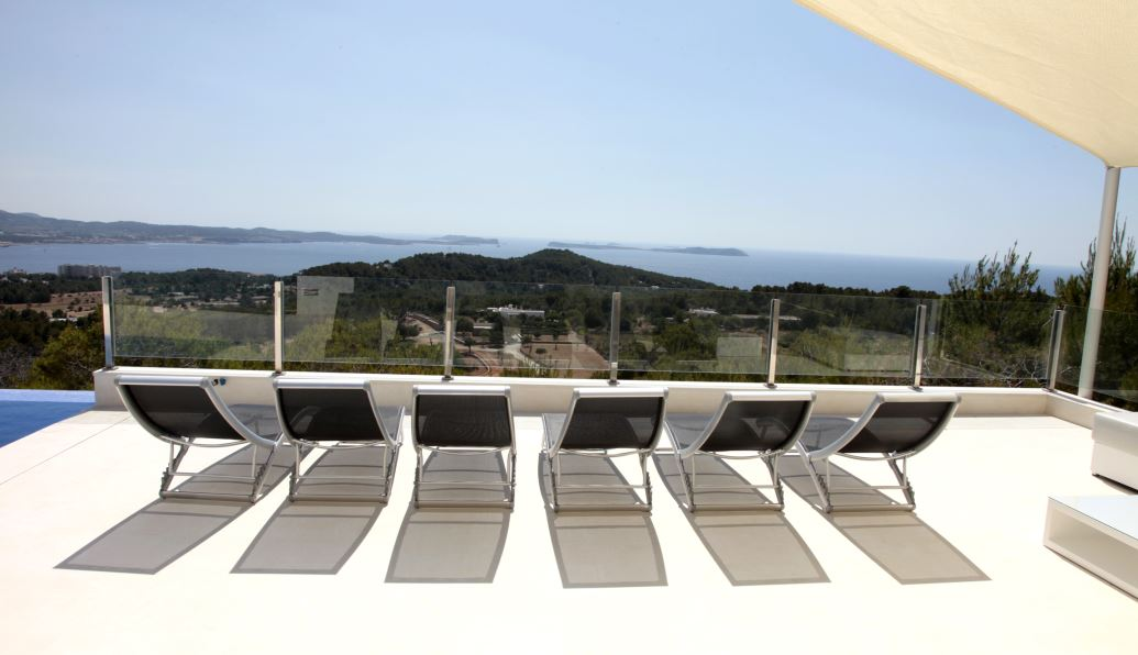 Amazing villa with sunset and sea views in Cala Salada