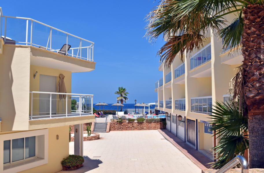 Wonderful apartments in Cala de Bou first line to the sea