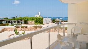 Front line apartment on the wonderful Mediterranean coast