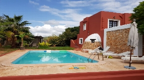 Cosy finca for sale in San José with 4 bedrooms
