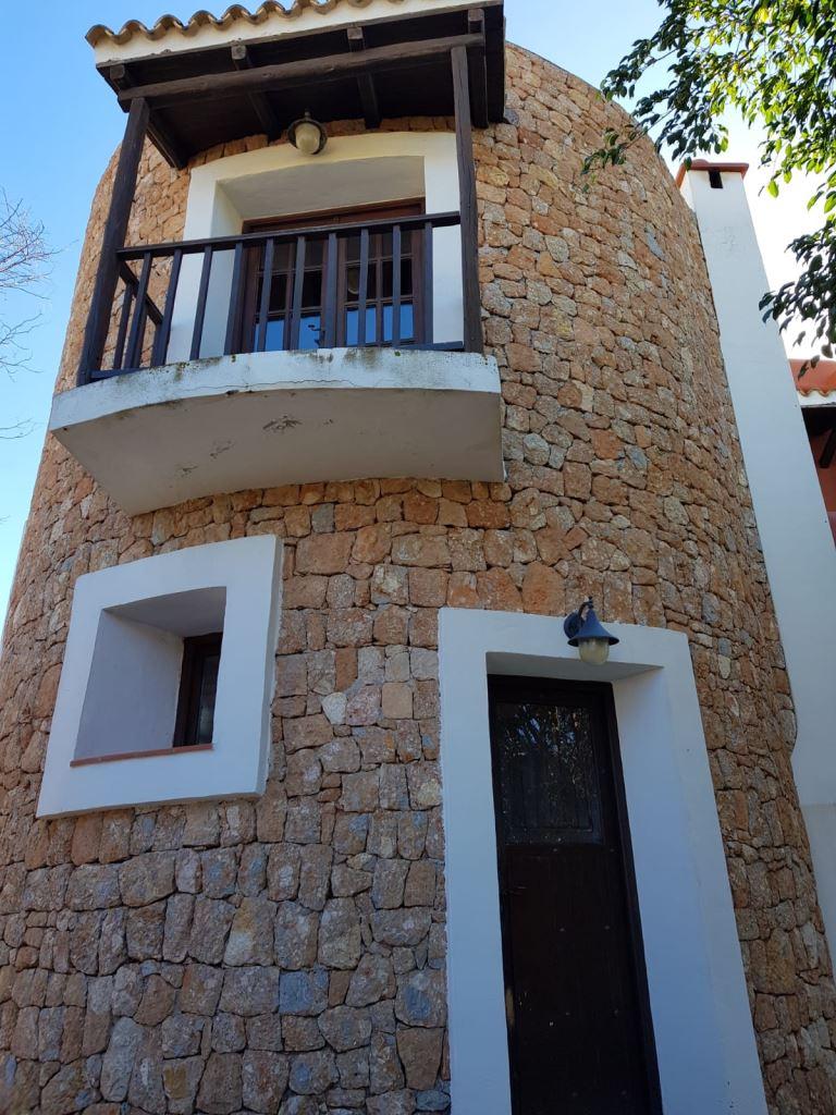 Cosy finca for sale in San José with 4 bedrooms